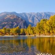 Beautiful_Fall_Foliage_in_Leavenworth_Waterfront_Park_4K_Autumn